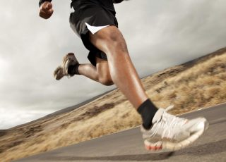 Perbedaan Pengaruh Latihan Penguatan Fungsional dan Konvensional